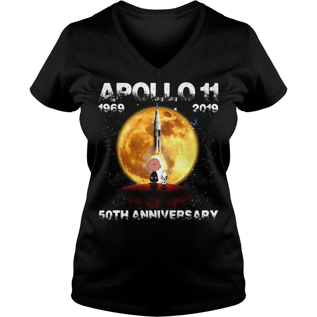 Snoopy and Charlie Brown apollo 11 1969 - 2019 50th anniversary V-neck T-shirt