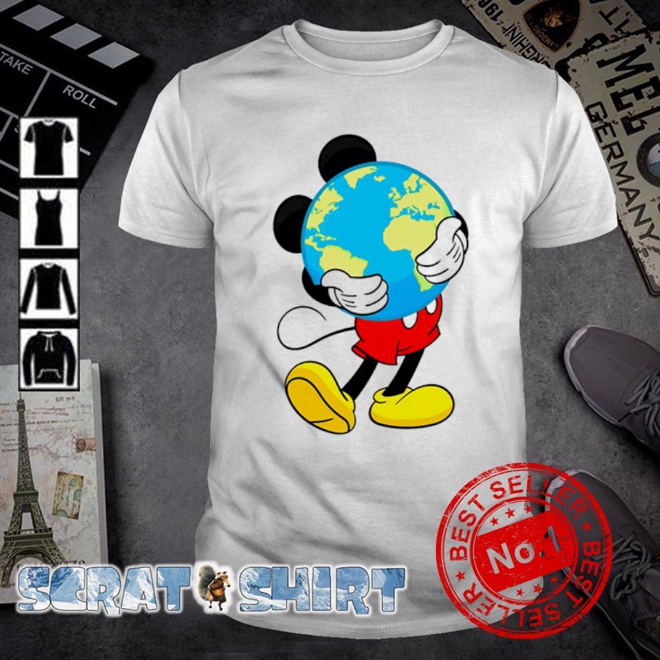 Mickey mouse hug earth shirt